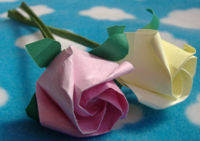 pink and yellow standard origami rose